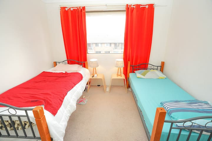[Darling Harbor] Girl's home 1 girl in Double room