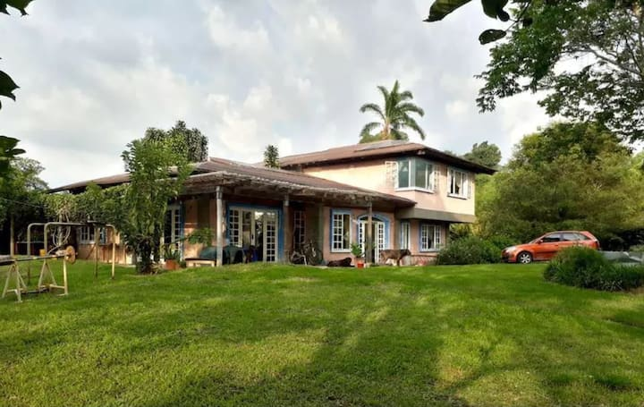 Casa Rosales - TRANQUILIDAD Y NATURALEZA