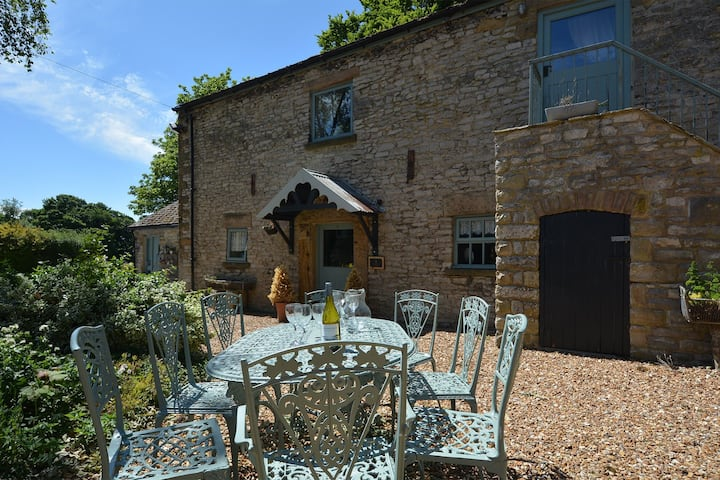 Pippinwell - a stunning barn conversion for eight with on-site swimming