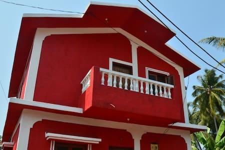 Дом с 2 спальнями у пляжа Мандрем - Mandrem