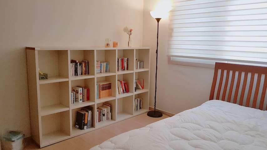 (**Women only**)Quiet,modern room 20min to Hongdae