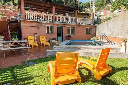 Apartamento con jardín y piscina - Argentona