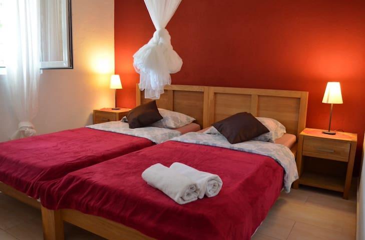 Poseidon holiday advetures - Žirje - Bed & Breakfast