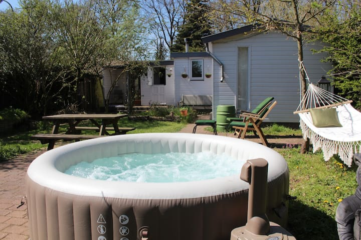 Wellness Chalet Veluwe jacuzzi in 100% privé tuin!