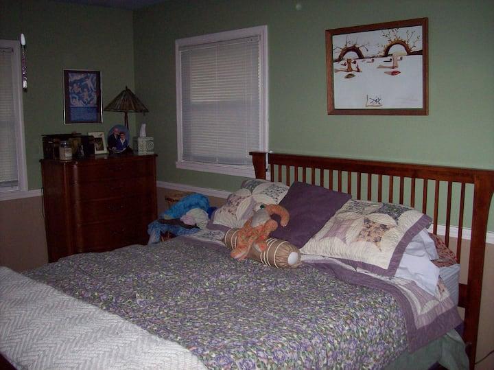 Queen bed, grill, hammocks