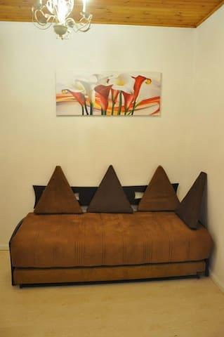 Apartment near the Assuta clinic -  ha-Golan 68/4