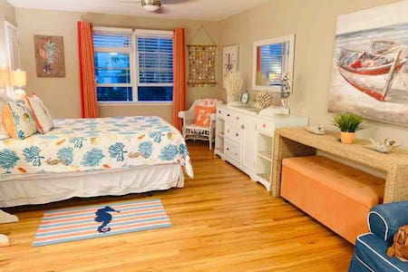 Amazing one bdrm flat at the beach!