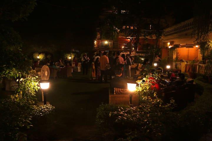 2 Deluxe Terrace Garden adjoining rooms - Nueva Delhi - Bed & Breakfast
