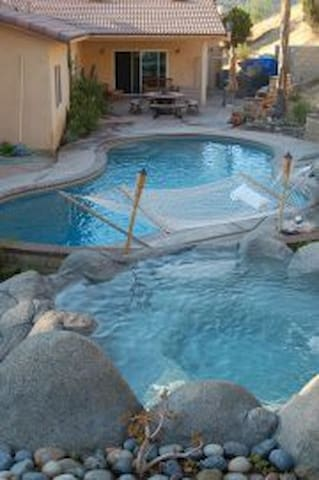 NATURE RETREAT w/ pool, pond, gym + - Lakeside
