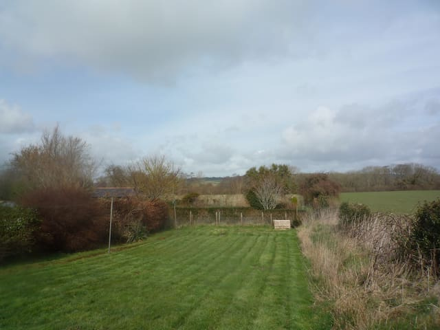 2 BEDROOM COTTAGE IN RURAL DORSET - West Stafford - Rumah