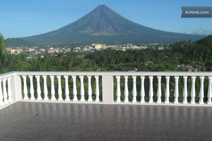 3 Rooms: 2 Bedrooms & Dinning Room. - Legazpi City - Apartment