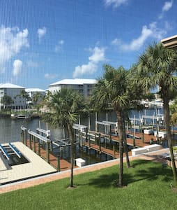 Beautiful marina and water view - Fort myers beach  - Condominium