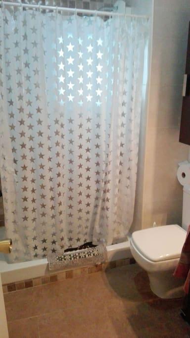 baño! bathroom!
