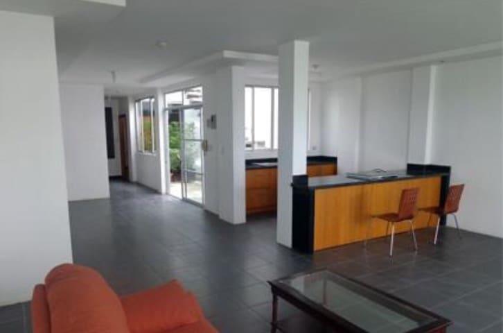 Departamento independiente en sector residencial