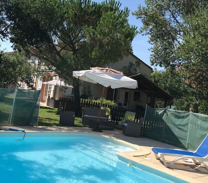 Belle Toulousaine à la campagne avec gde piscine