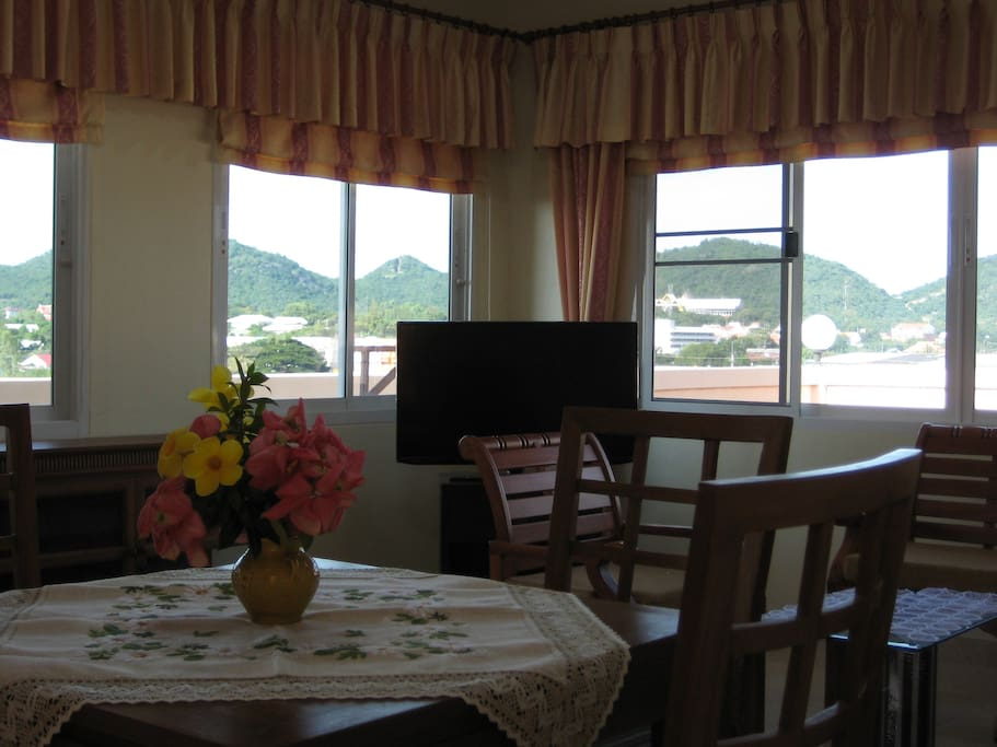 exclusive 60 qm penthouse wohnung wohnungen zur miete in. Black Bedroom Furniture Sets. Home Design Ideas