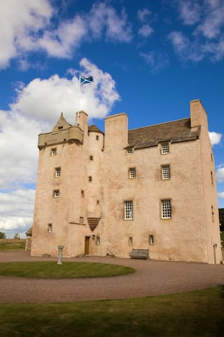 Luxury 16th Century Fenton Tower - Dirleton