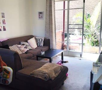 Entire home/apt in Eastern Suburbs - Kingsford - Apartamento