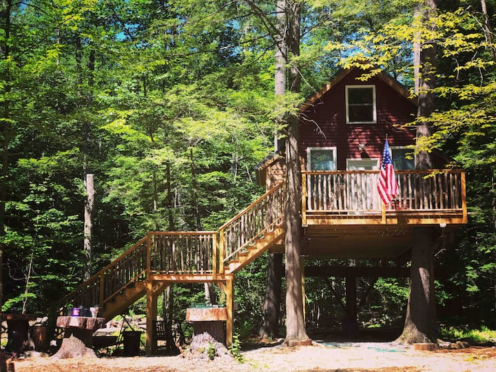 Treehouse at Plummer Shores- OCT dates available!