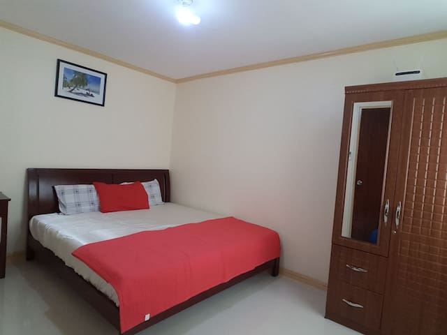 Fully Furnished Airconditioned Townhouse - Consolacion - Rumah bandar