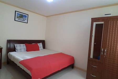 Fully Furnished Airconditioned Townhouse - Consolacion - Reihenhaus