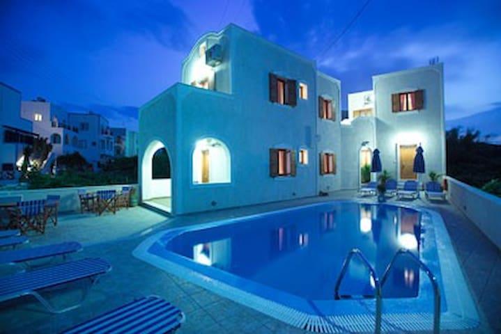 Kelenis Apartments Santorini - Thira