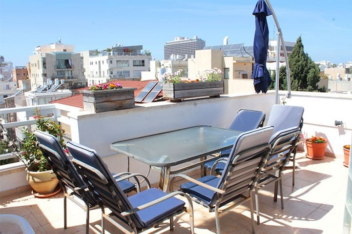 Sunny Duplex at the heart of TLV - Tel Aviv - Appartement