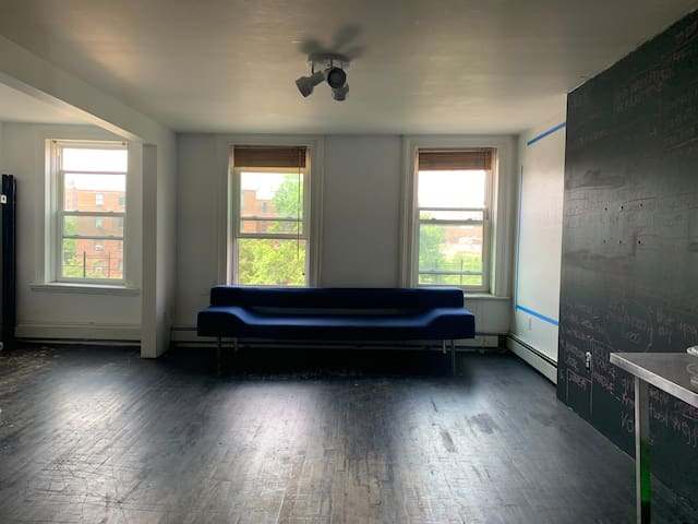 A sunny apt/loft space in Fort Greene