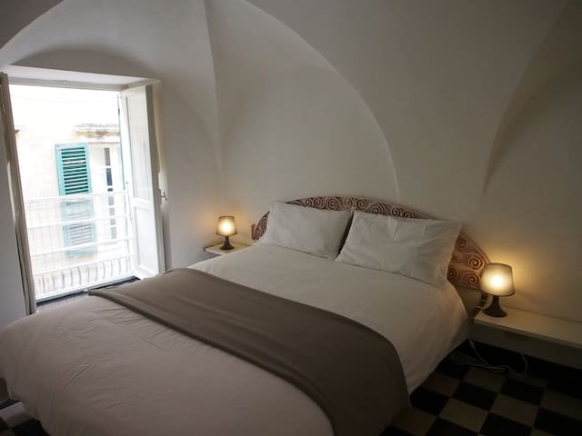 Camera 2 Bedroom