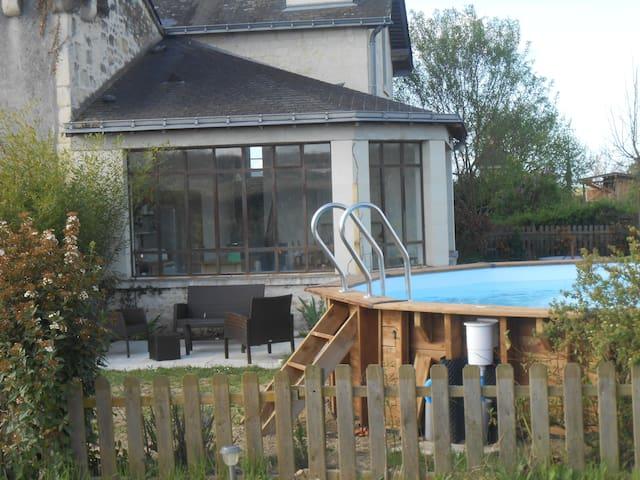FOUQUET  15 mn Saumur - 4/5 pers - Brézé - House