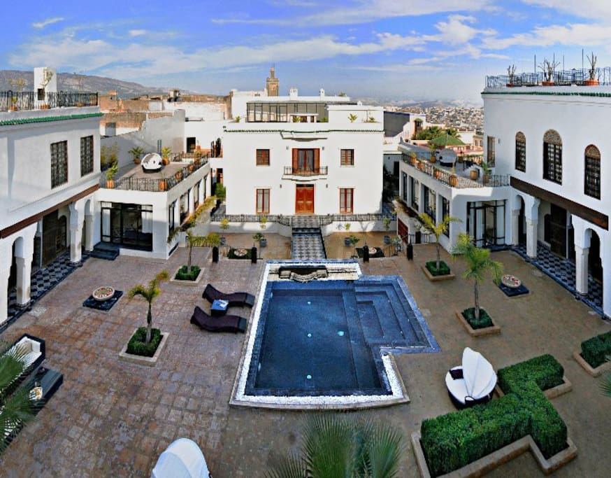 Palace riad in fez medina houses for rent in medina for Airbnb fez