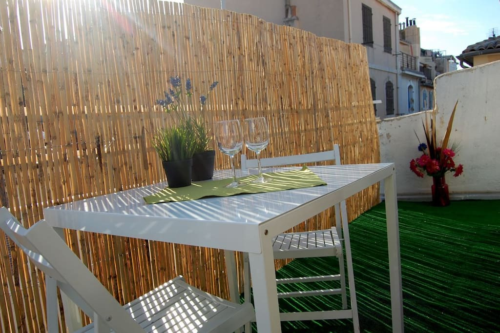 T2 terrasse vieux port panier flats for rent in for T2 marseille terrasse