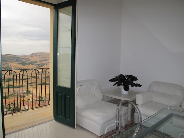 I FURRIZZA - Casa Storica del '700 - Gangi - Apartamento