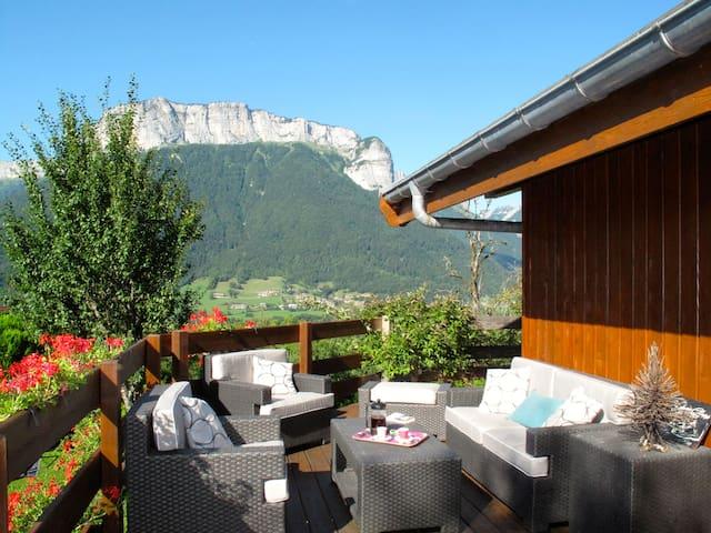 Une maison entre lac et montagnes - Alex - Casa