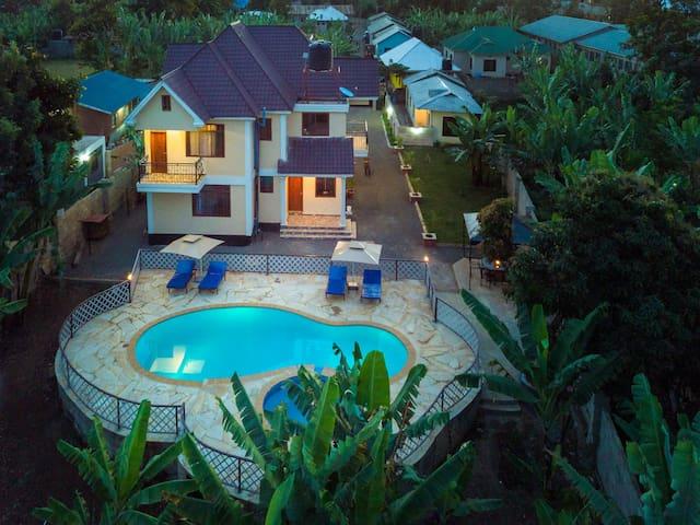 Rayan Apartments & Safaris : The 3 Bedroom flat