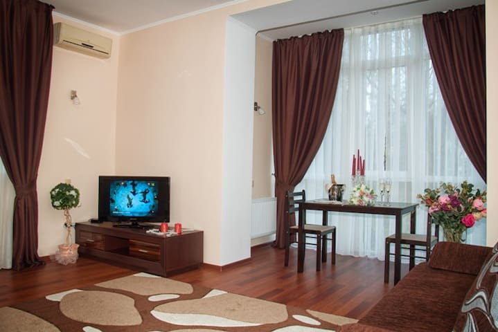 Двухкомнатная квартира  - Николаев - Apartment