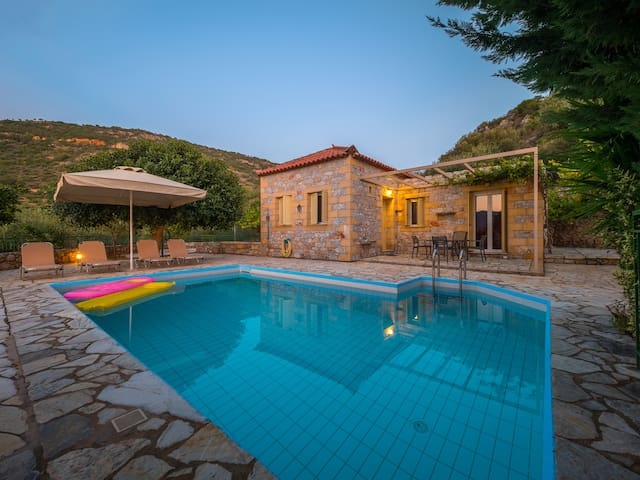 Palataki Villa with private pool Kardamili