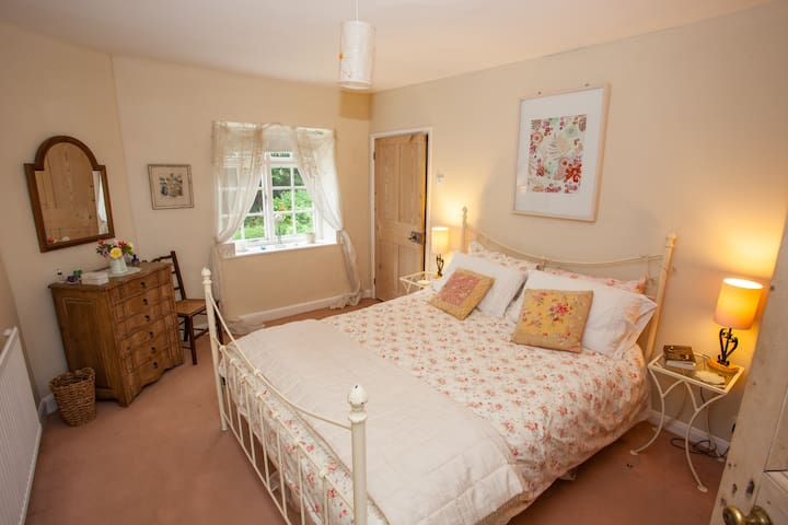 Double room in lovely rural retreat - Enmore - House
