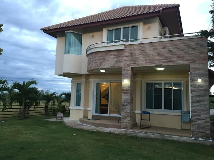 บ้านมะโนพิงค์ (MANOPING HOME)