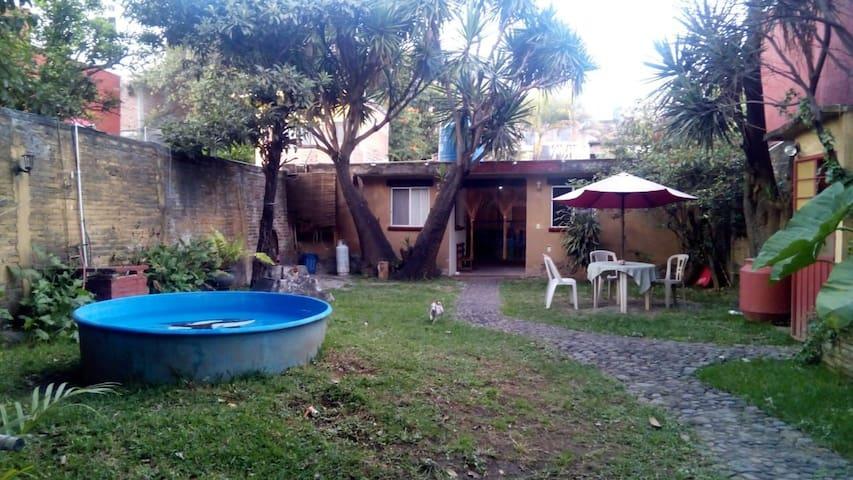 Bungalow semiambueblado en el centro de Tepoztlán