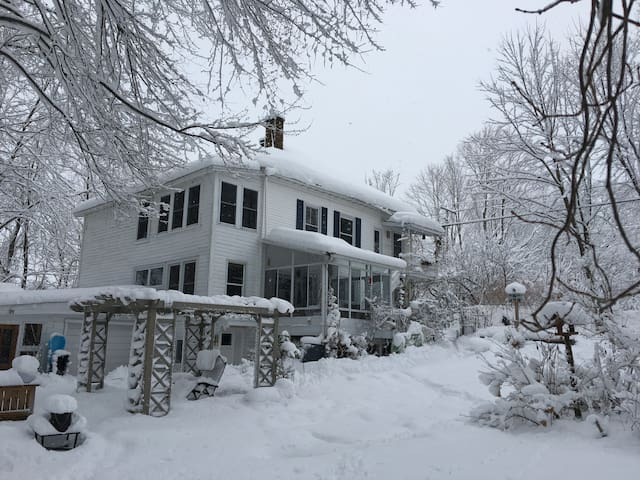 6 bedrooms country house near Magog