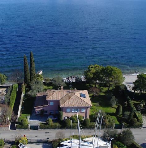 Villa con accesso diretto alla spiaggia - Bogliaco - Villa