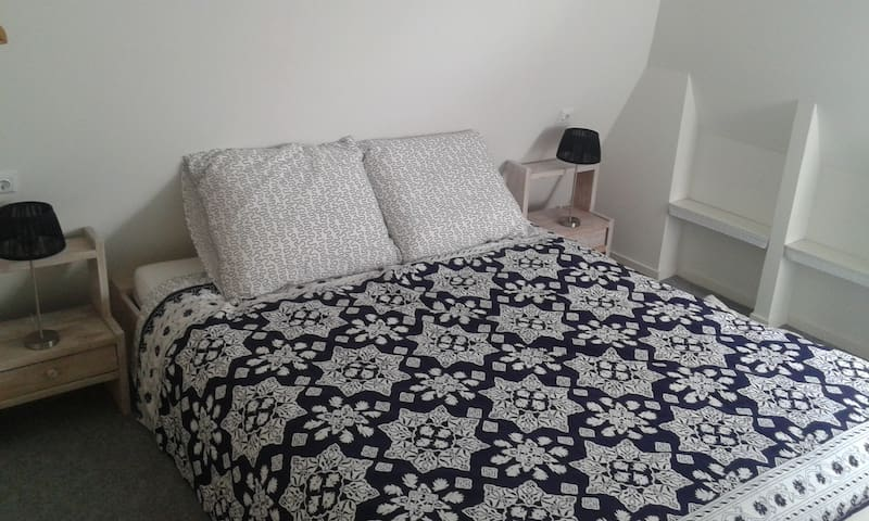 Tweepersoons bed