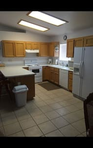 Great Price for the Place - Lake Havasu City - House