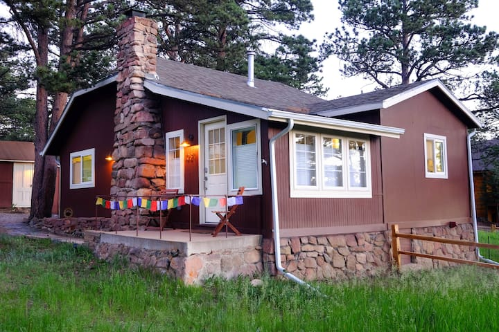 Rocky Mountain Adventure Cottage