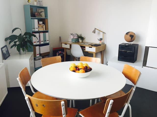 Salle à manger + bureau