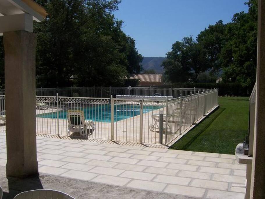 Terrasse - Piscine chauffée 5 x 10 clôturée - Parc arborés