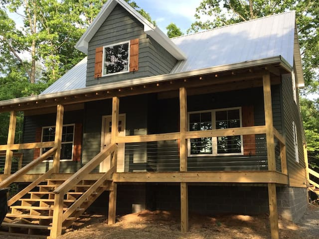 New Lake House Only 19 Miles From Mammoth Cave