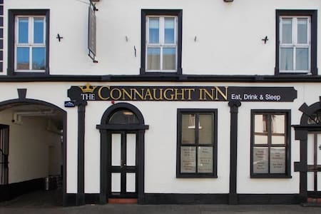 The Connaught Inn - Bed & Breakfast