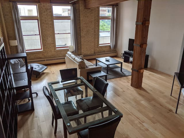 Stunning 1BR 1BA Loft in the Heart of the exchange